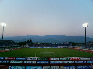 小瀬スポーツ公園陸上競技場。